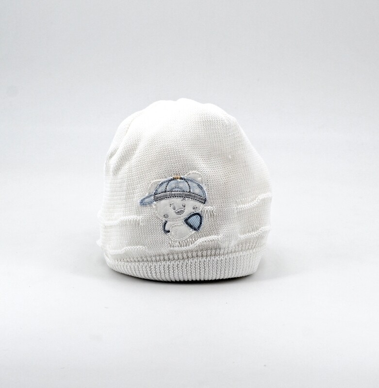 Cappellino in cotone bianco con orsetto celeste Pz. 1