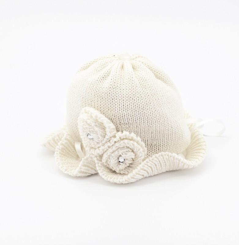 Cappellino in lana merinos bianco con rose e strass Pz.1
