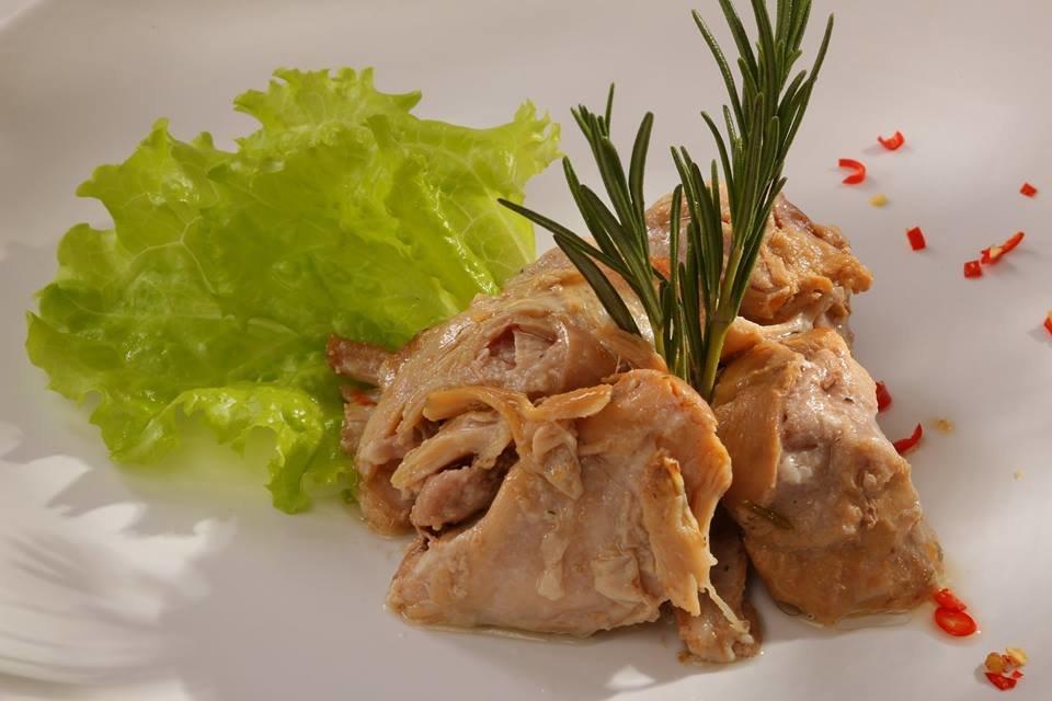 Мясо кролика в собственном соку 500 гр