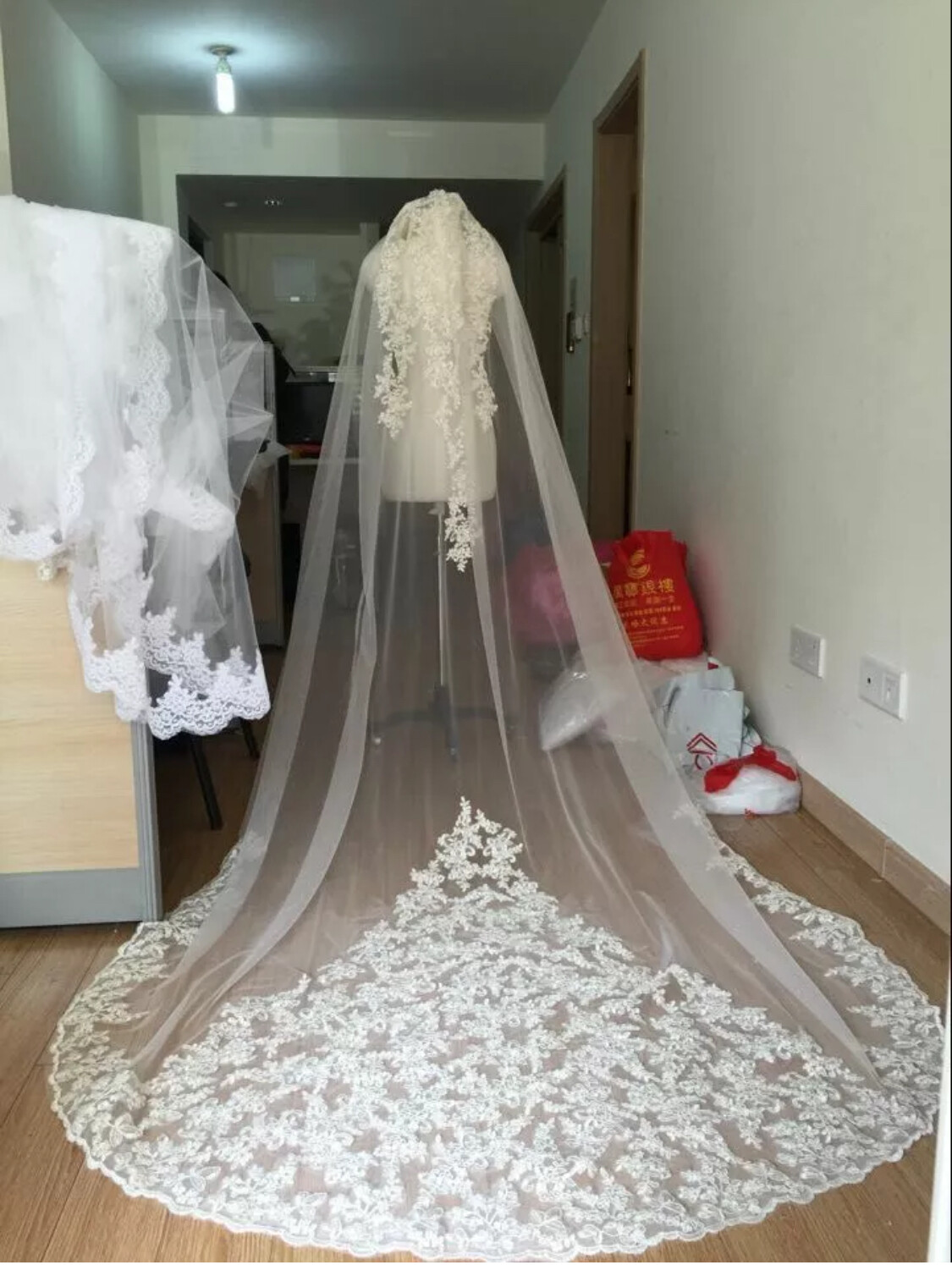 White or ivory Cathedral veil 3M/10ft 1T with comb