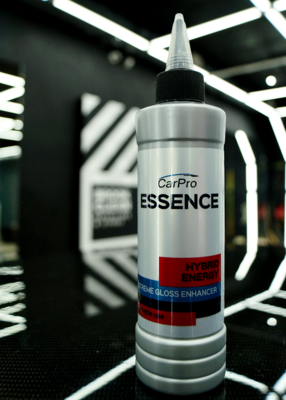Car Pro Essence Cquartz 250mL - инновационная полировальная паста и подложка 2 в 1