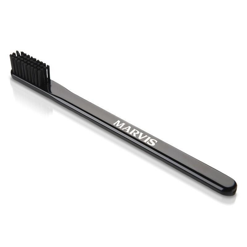 Marvis Toothbrush - Зубная щетка средней жесткости Черная
