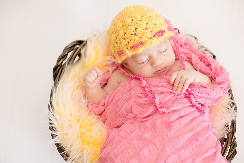 Lazy Daisy Bonnet Crochet Pattern