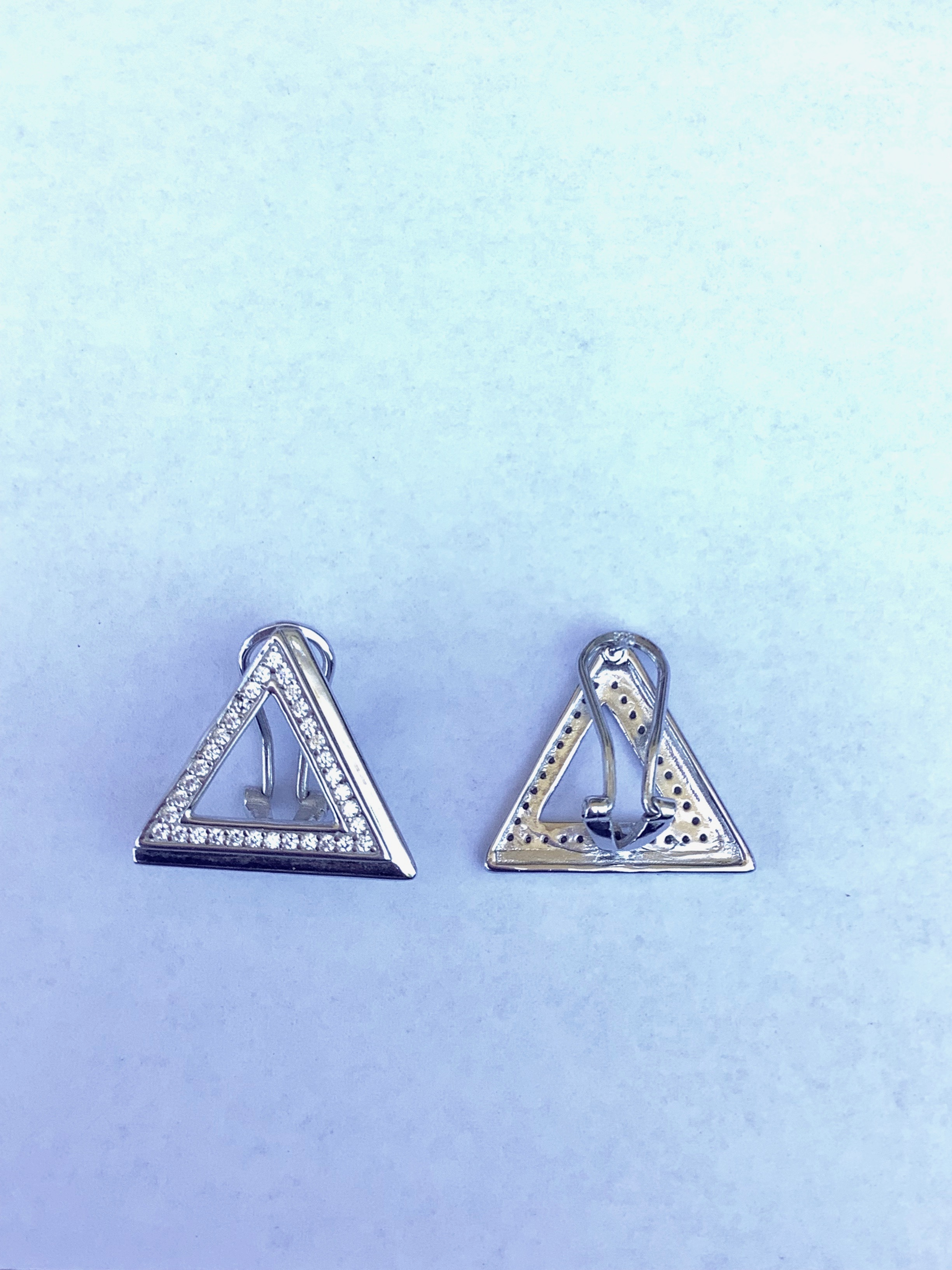 New Pyramid Post Lever Earring 00104