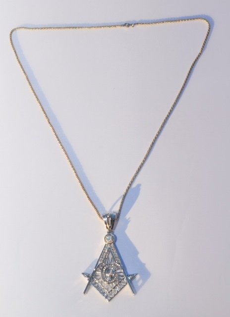 Mens Masonic Sterling Large Pendant and 30 in chain 00049