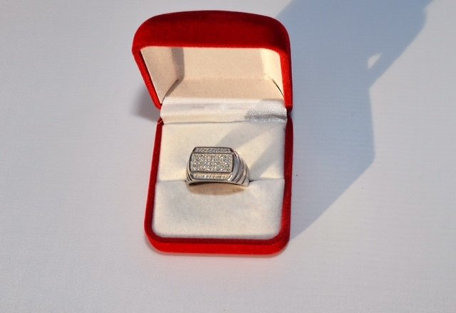Mens Sterling Silver CZ multi stone ring - sz 13 00050