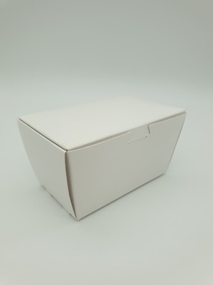 Box Truffle Medium White 75Lx45Wx40Hmm (each)