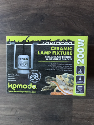 Advanced Komodo Ceramic Light Fixture Complete With Wiring And Plug RRP £15