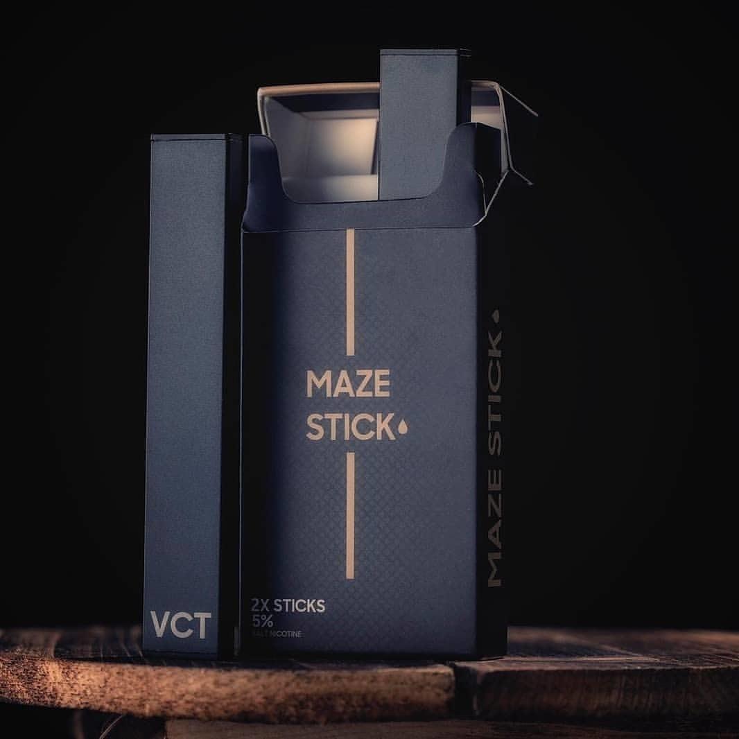 Maze Stick VCT 2 Disposable Pods per pack علبة من بودين غير قابلين للتعبئة أو الشحن بنكهة التوباكو والكاستارد مع الفانيلا