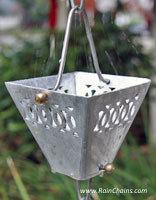 Rain chain - Mado - Medium Square Cups in aluminum #4410