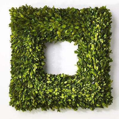 Boxwood Wreath Square - Large