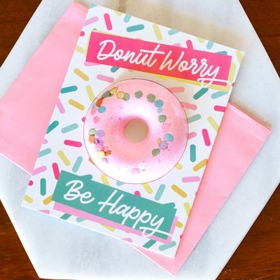 Donut worry bath bomb