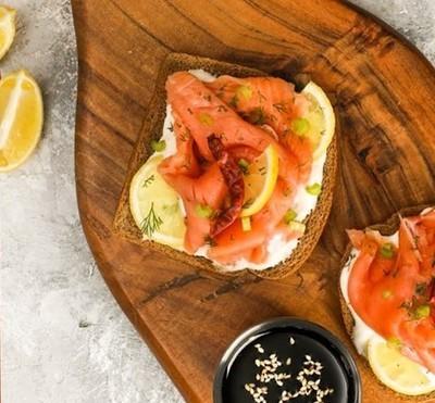 FINS asian smoked salmon sashimi شرائح  سلمون مدخن اسياوي