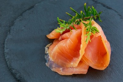 FINS long-slice smoked salmon شرائح  سلمون مدخن