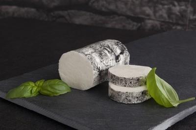 Ashed goat cheese (150g) جبنة ماعز ساندريه