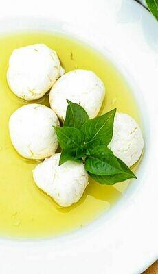 Garlic-basil labna (250g) لبنة بالريحان والثوم