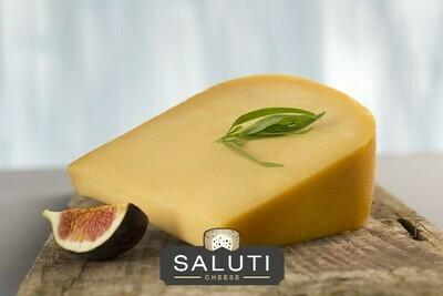 Low-fat Gouda Cheese (250g) جبن جوده قليله الدسم