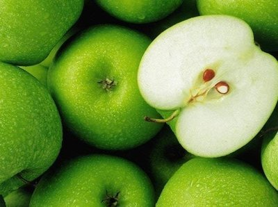 Green apples - imported (1 kg) تفاح اخضر - مستورد