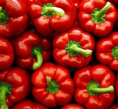 Red bell peppers (1 kg) فلفل رومي احمر