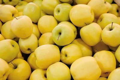 Yellow apples - Imported (6 pcs)  تفاح اصفر - مستورد