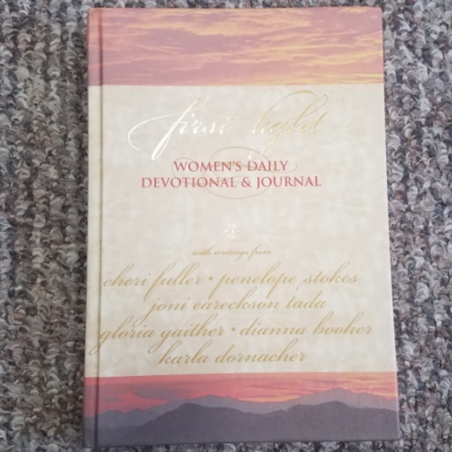 First Light: Women's Daily Devotional & Journal by Oxmoor House