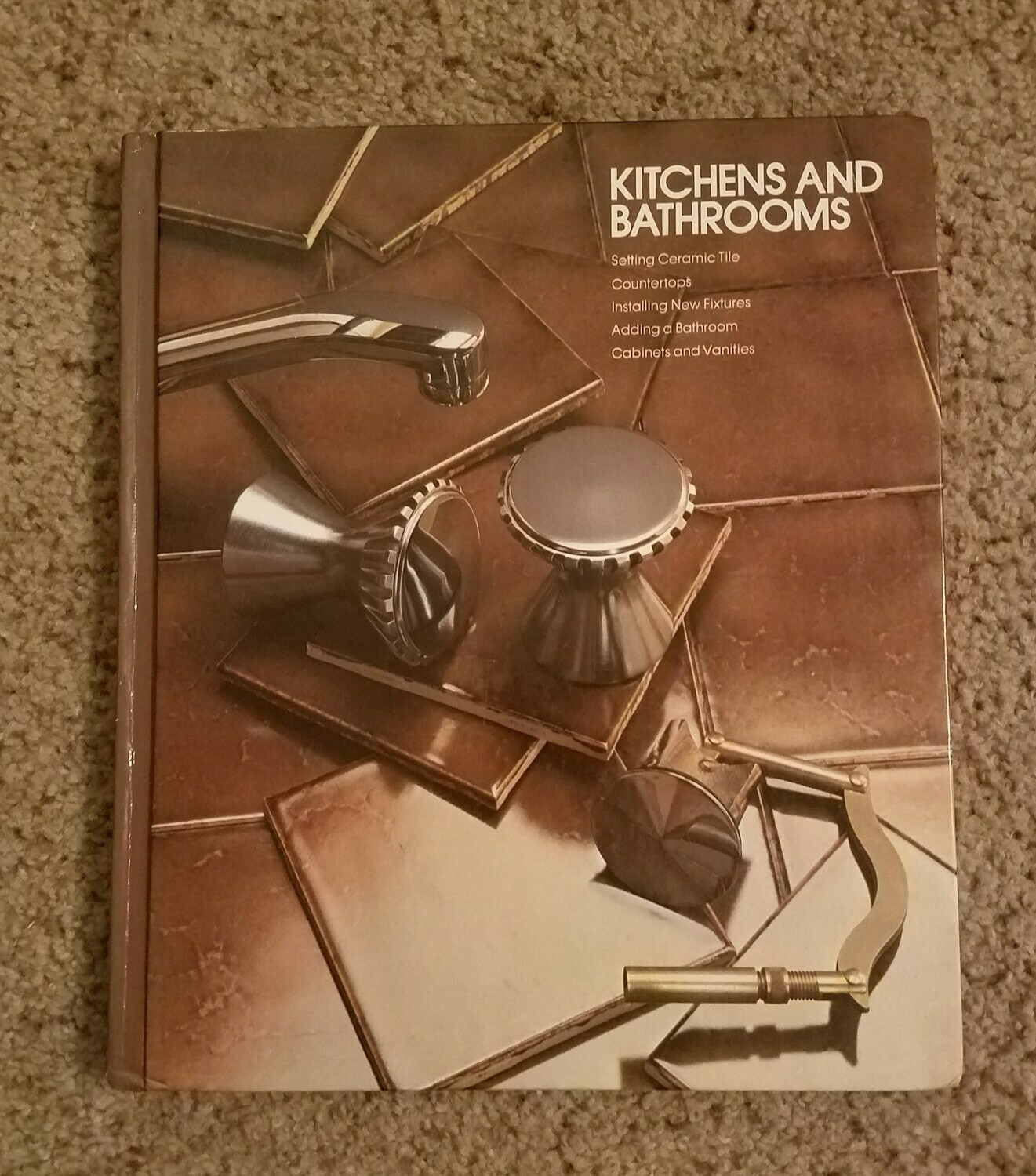 Kitchens and Bathrooms by Editors of Time-Life Books