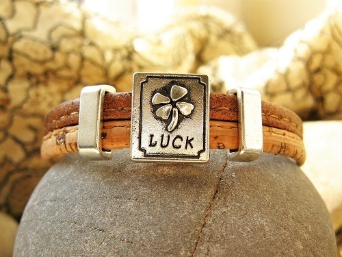Clover charm bracelet  ~ two-tone cork