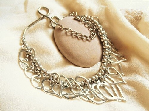 Path of love heart necklace
