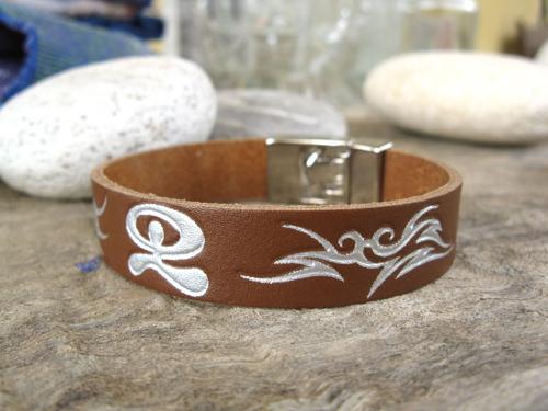 Leather Indalo bracelet ~ dancing