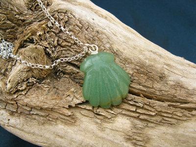 Aventurine Camino jewellery necklace ~ scallop shell
