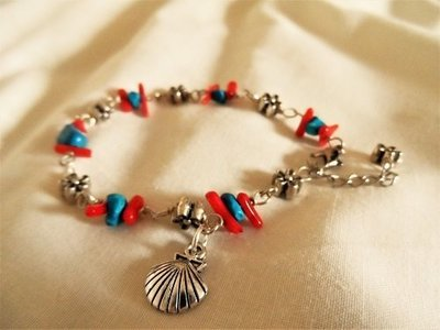 Scallop shell travel bracelet ~ coral + turquoise