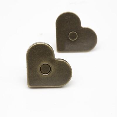 магнитная кнопка в форме сердца