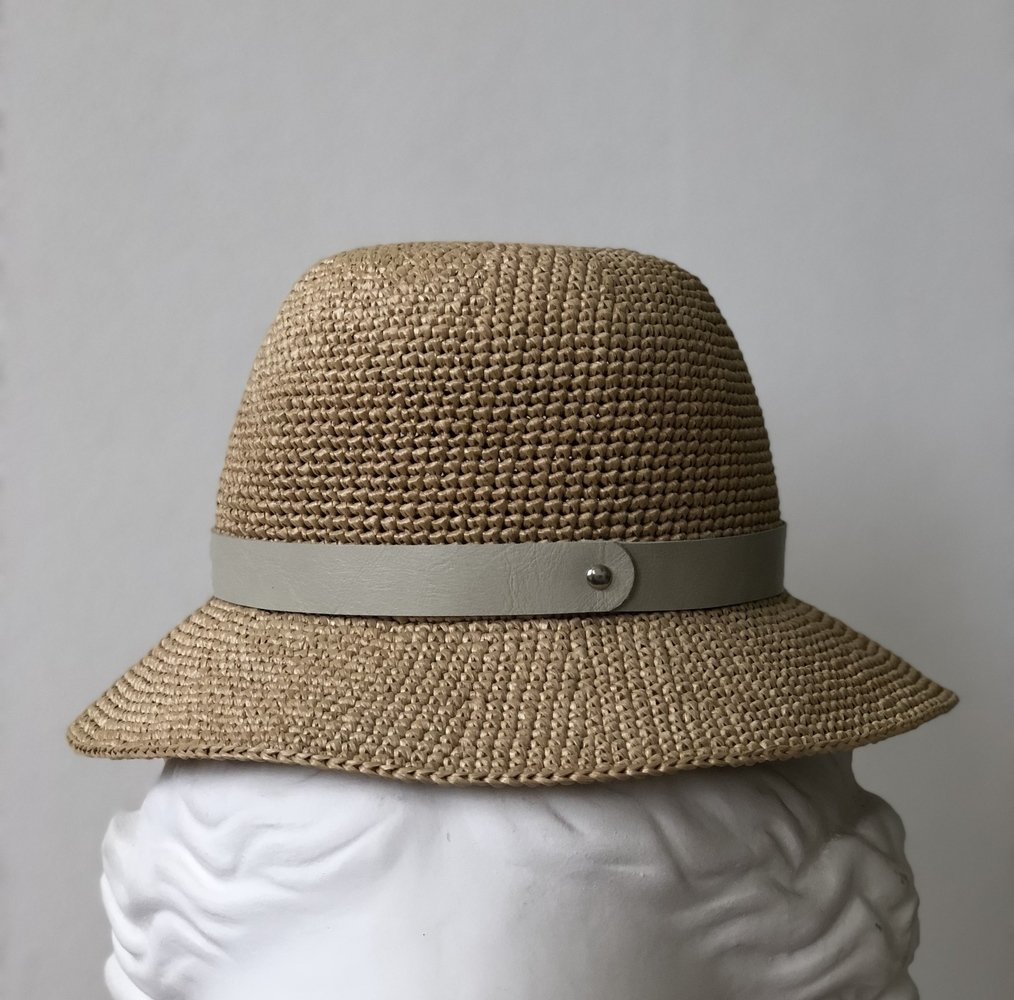 шляпная лента из кожи серая (06)