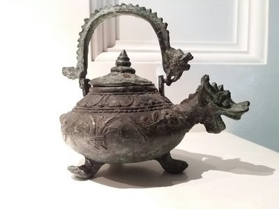 Bronze Chinese pot