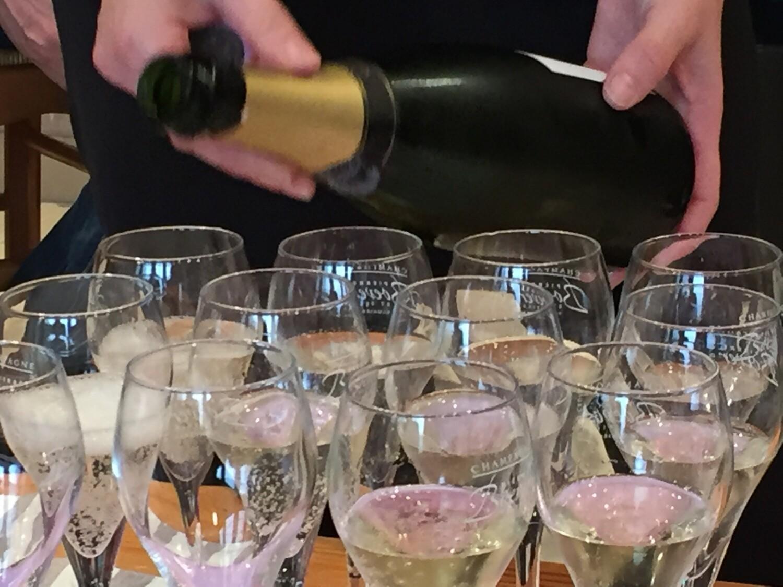 JS Travelin viini- ja pikkujouluristeily Eckerö Linella 7.12.2019