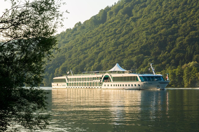 Saksan jokilaivaristeily Mosel 4.-8.10.2020 hinta alkaen 1195 € Strauss  hytissä.