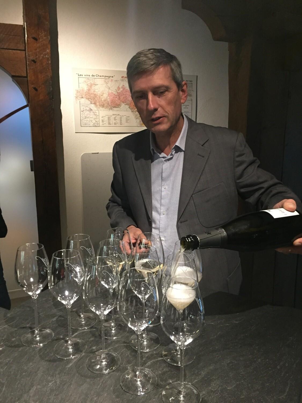 Champagne tilausmatkan marraskuu ennakkolasku