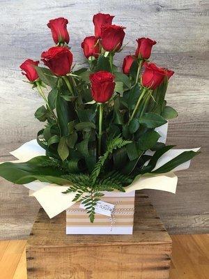 Box Arrangement Of Roses