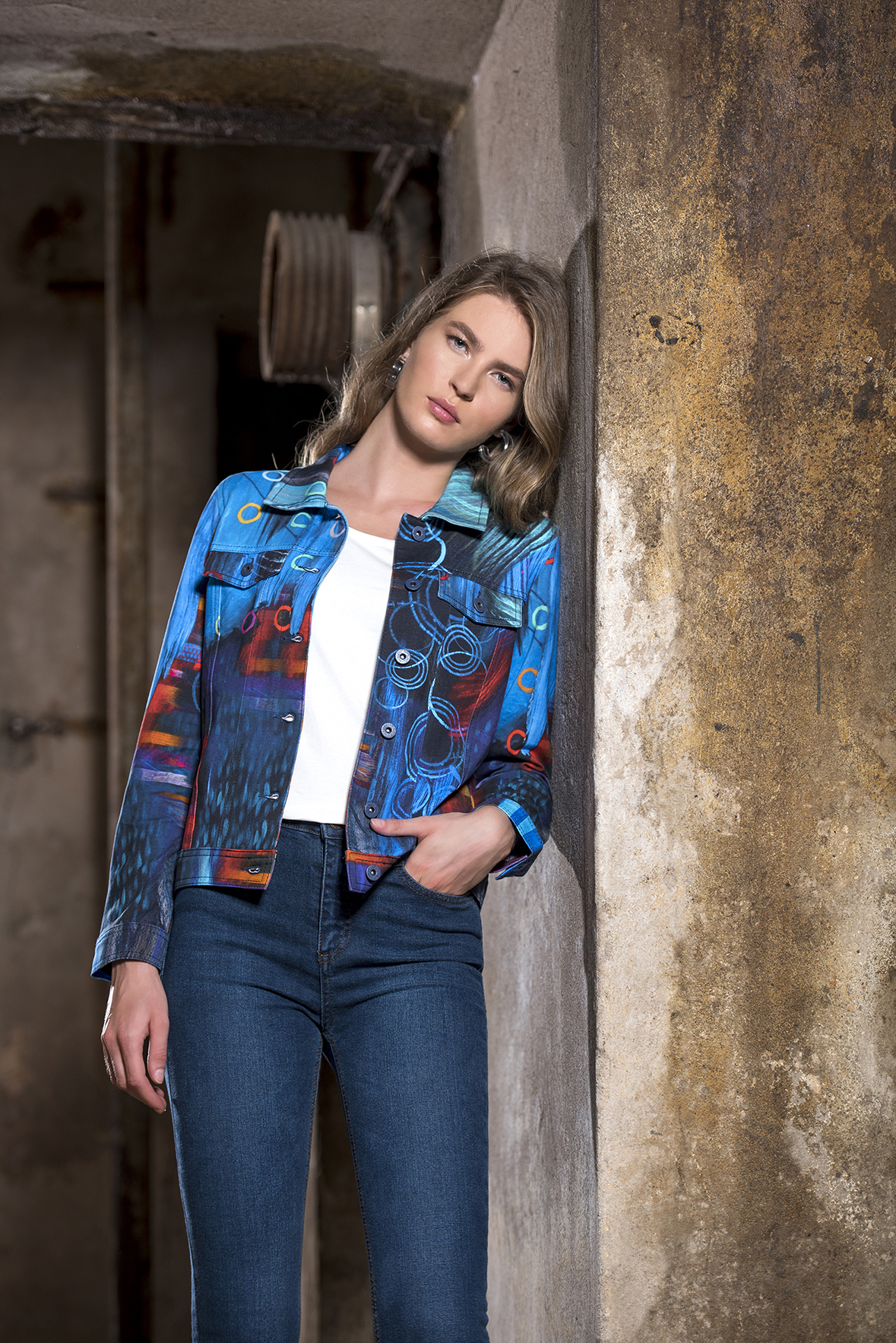 Simply Art Dolcezza: Distilling Colors Of Beauty Abstract Art Jacket SOLD OUT Dolcezza_SimplyArt_59628