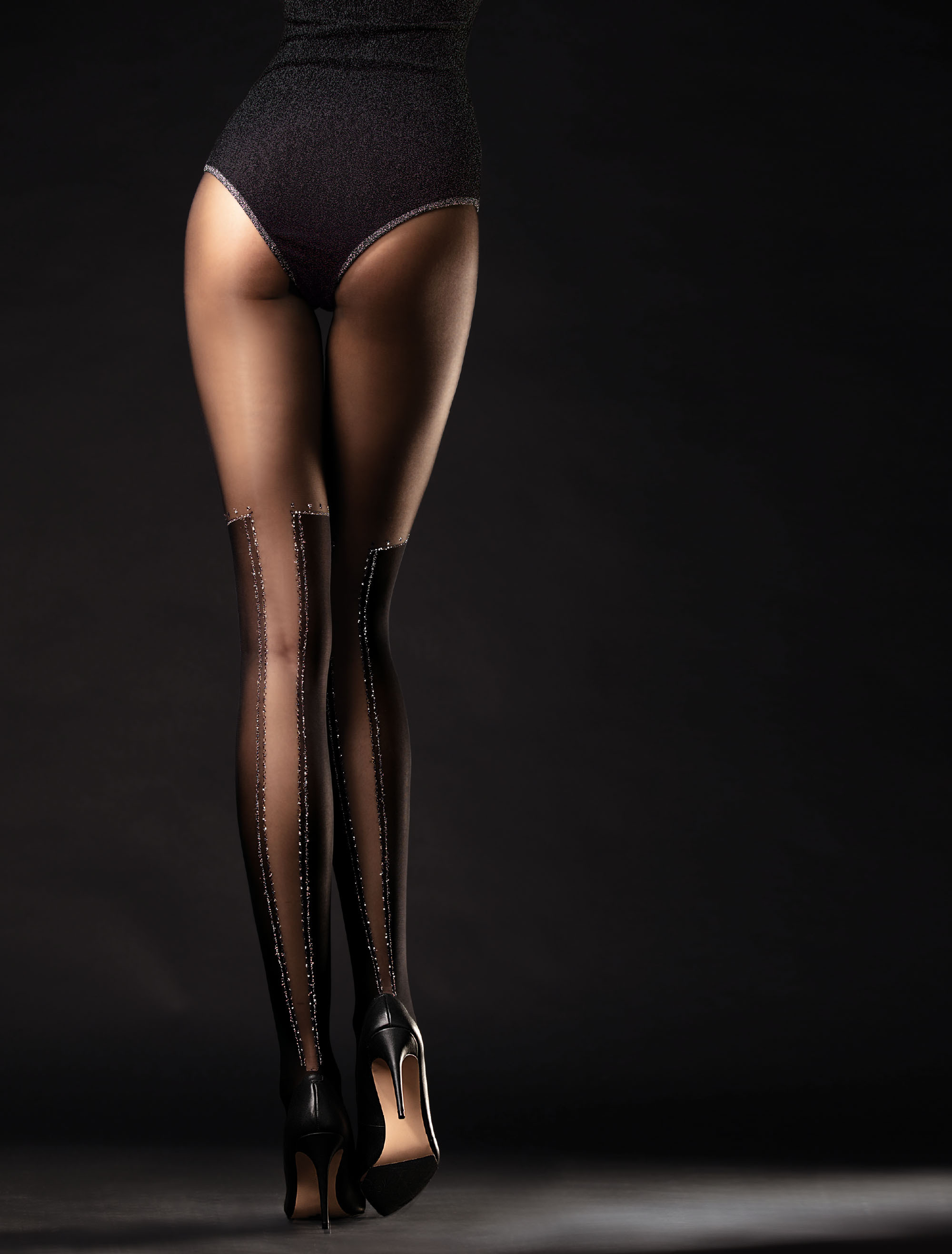 Fiore: Intoxicating Diamond Thighs Semi-Opaque Tights