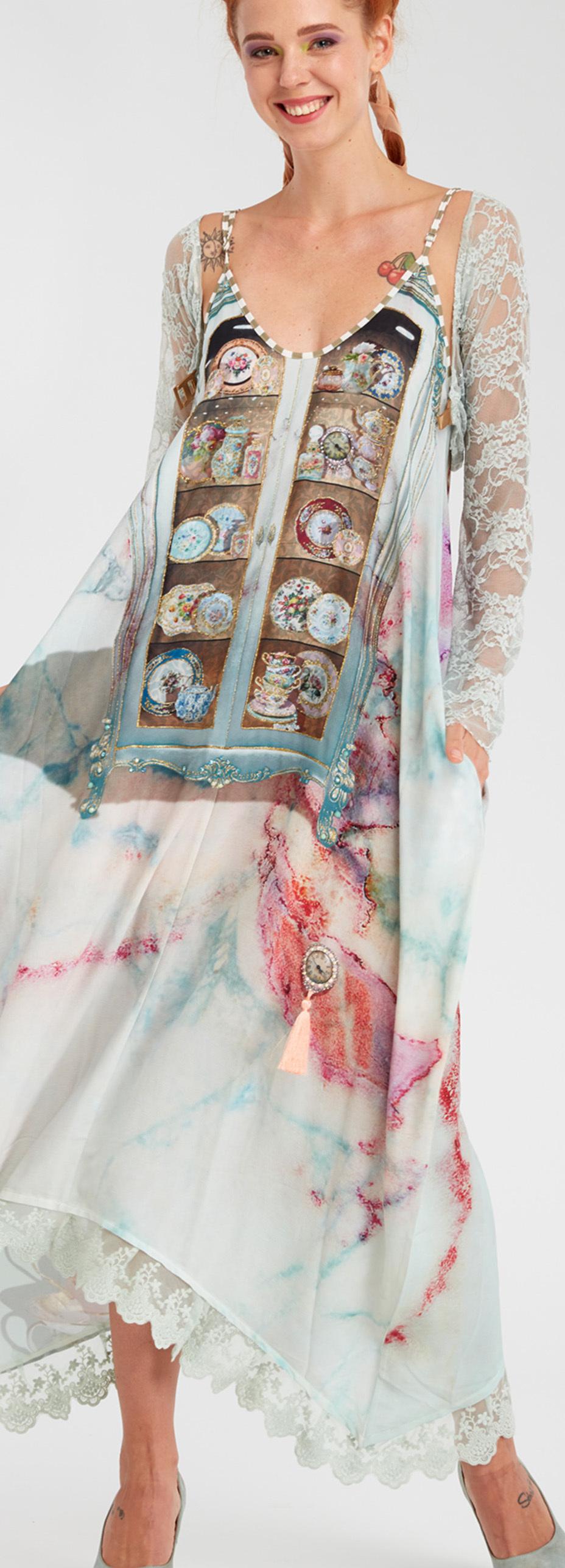 IPNG: Inna Me Rose Reflection Illusion V-Cut Maxi Dress
