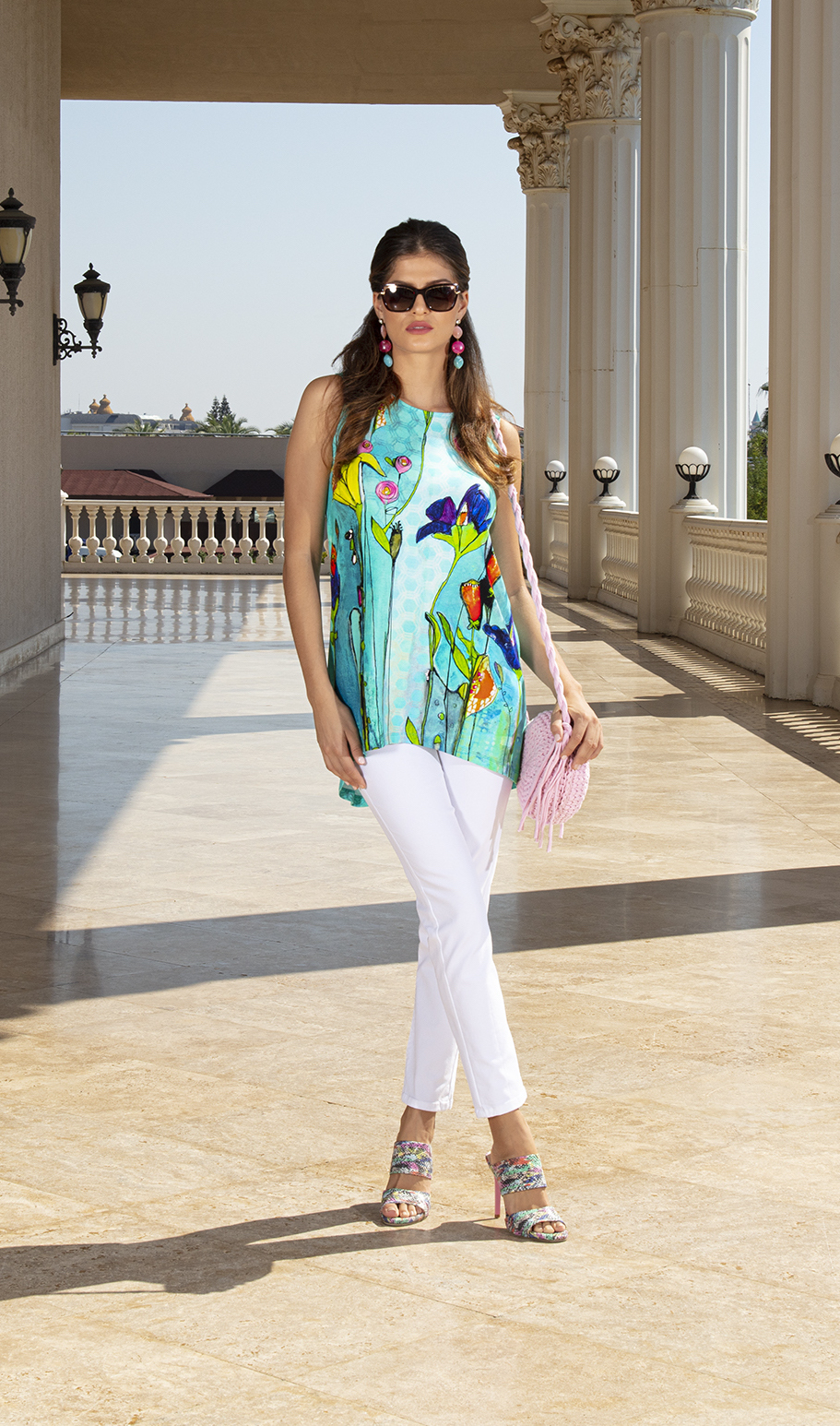 Simply Art Dolcezza: Summer's Coming Grand Bouquet High Low  Cut Out Art Tunic DOLCEZZA_SIMPLYART_20741