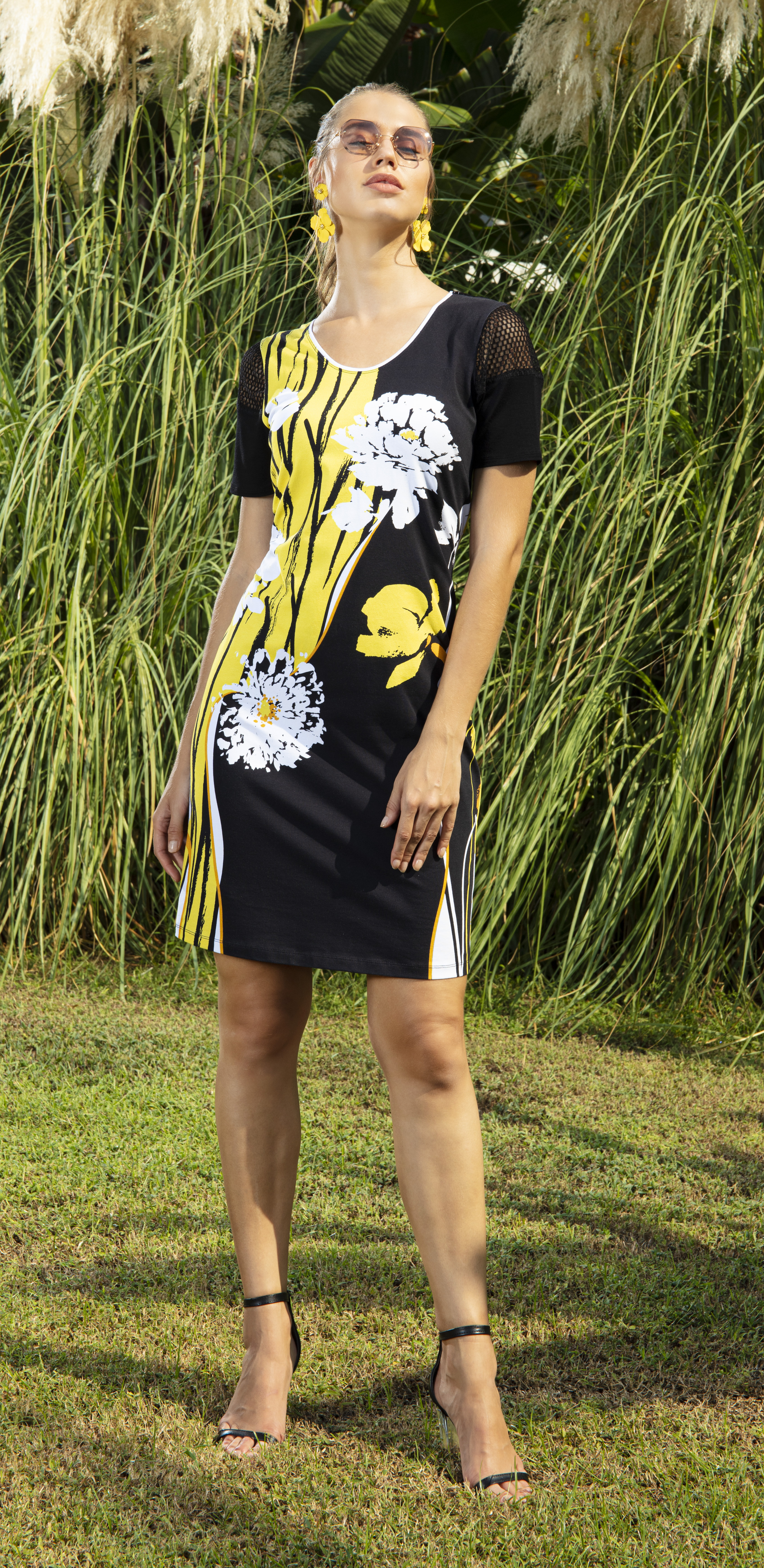 Simply Art Dolcezza: Bumble Bee Summer Bloom Abstract Art Dress DOLCEZZA_SIMPLYART_20131