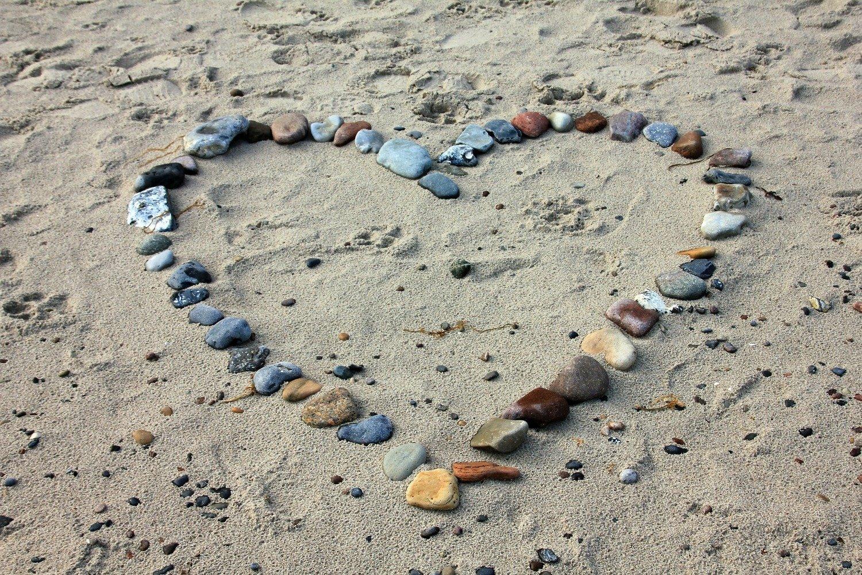 "Saint Valentine "" Heart in the sand """