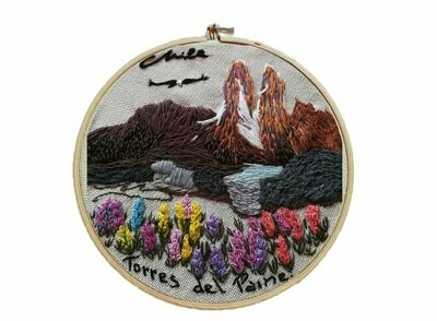 Flowers in Torres del Paine Embroidery / Bordado Torres del Paine Florido