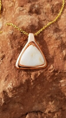{Sedona Pyramid Power of Light}Sedona White light Crystal/$213/299.00
