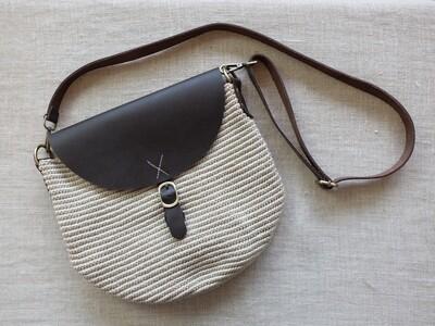 Cross Bag Large: Off White