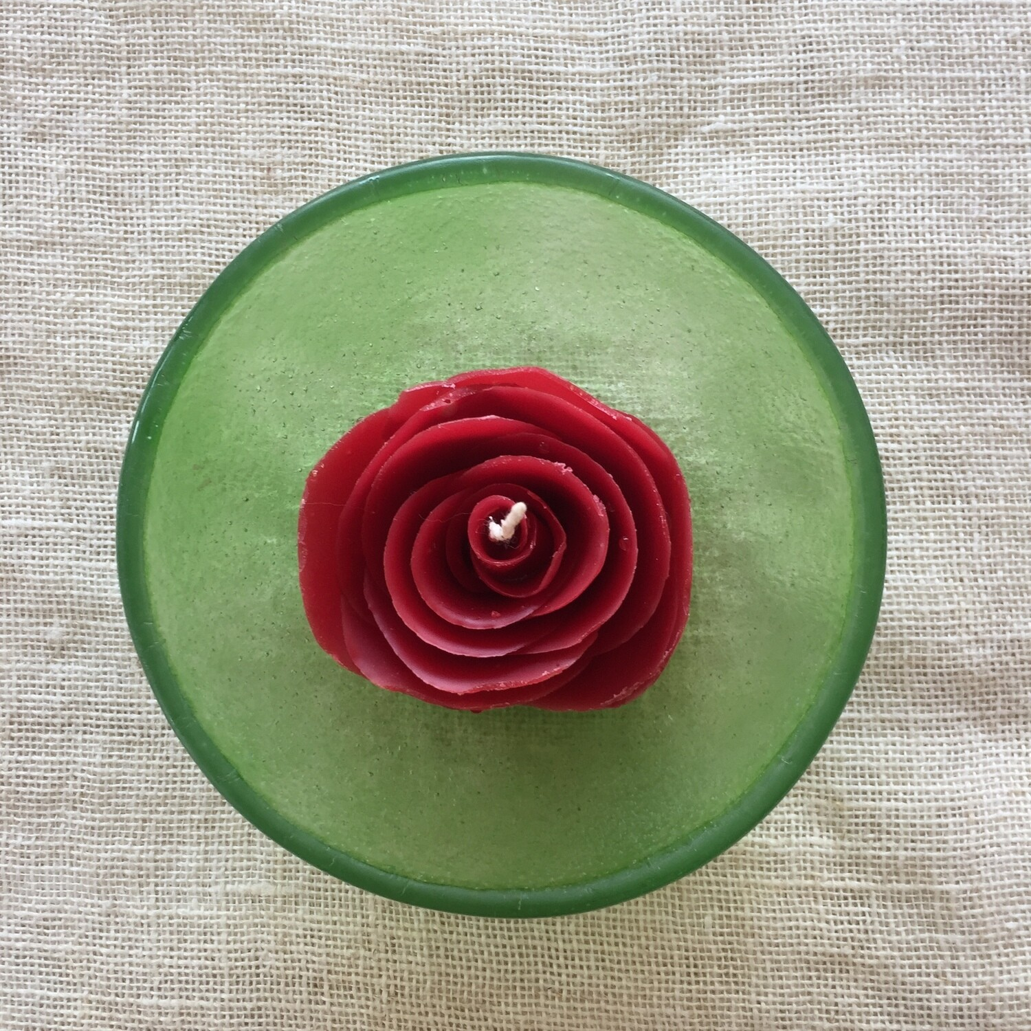 Red Noor candle in Medium Green Glass Style bowl
