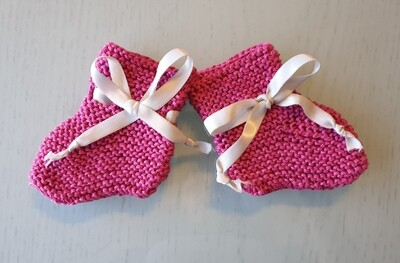 Baby Booties: Raspberry Fuchsia with Greyish White Ribbon