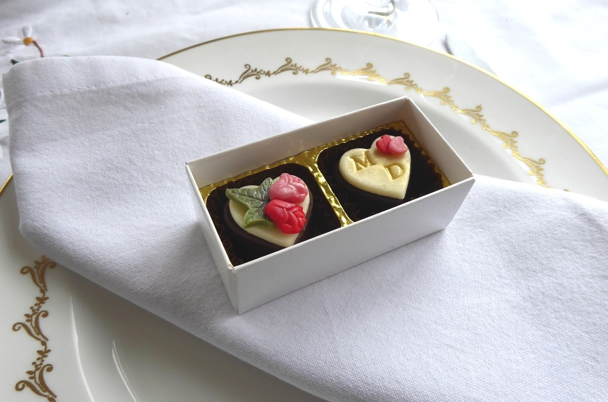 Box of two wedding favours - various designs